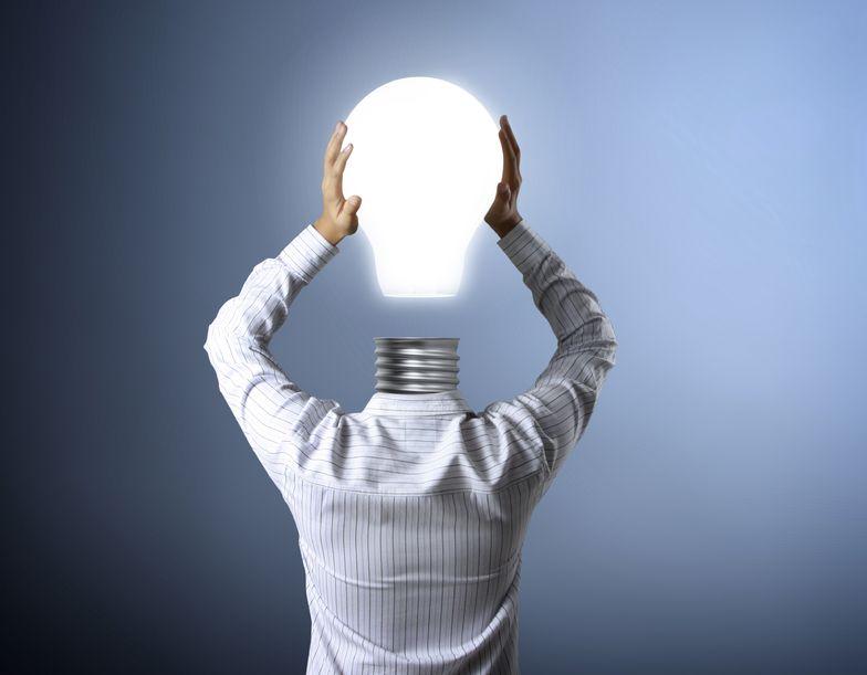 18254794 - idea concept, lamp head businessman